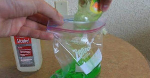 Γεμίζει ένα σακουλάκι με Απορρυπαντικό πιάτων και το βάζει στην κατάψυξη – Μόλις δείτε το Αποτέλεσμα, θα το κάνετε και Εσείς… [photos+video]