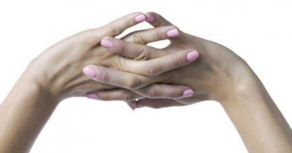 «Κρακ» στα δάχτυλα: πόσο επιζήμιο είναι;