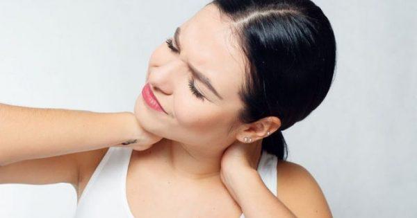 5 απλές ασκήσεις για να αντιμετωπίσετε τους πόνους στον αυχένα!!!