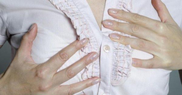 Πόνος στο στήθος πριν την περίοδο: Γιατί συμβαίνει – Πώς θα τον μειώσετε [vid]