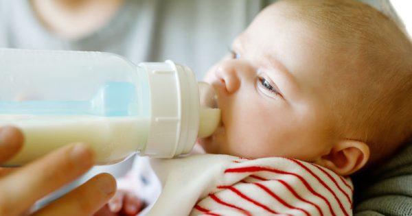Γιατί τα θηλυκά βρέφη δεν πρέπει να πίνουν γάλα σόγιας