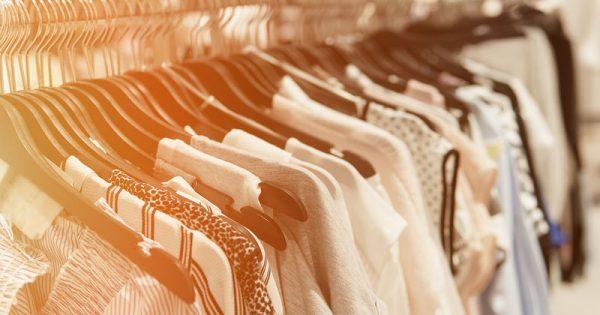 Αγοράσατε καινούρια ρούχα; Μην τα φορέσετε πριν τα πλύνετε!