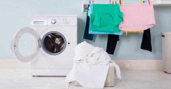 Λευκά και Σκούρα Ρούχα: Μπαίνουν Μαζί στο Πλυντήριο;