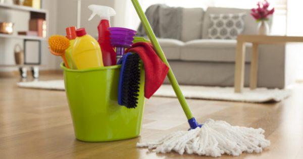 10 Επαγγελματικά Tips για να Τελειώνετε με το Καθάρισμα… Μια Ώρα Αρχύτερα!