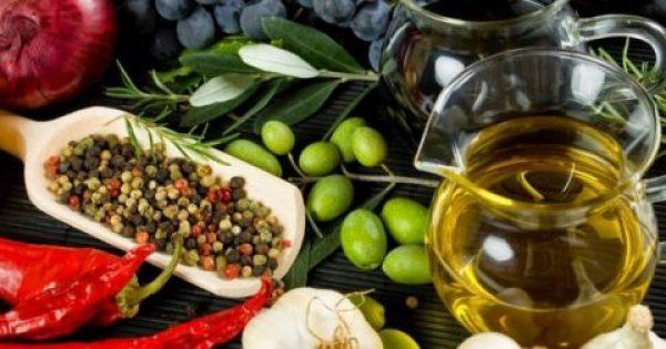 Έρευνα: Η μεσογειακή διατροφή αποτελεί «βάλσαμο» για τον εγκέφαλο