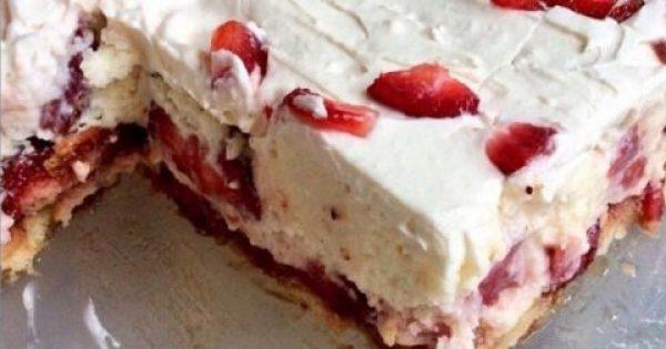 Eνα πανεύκολο γλυκό ψυγείου με φράουλες για να φτιάξεις για το κυριακάτικο τραπέζι σας