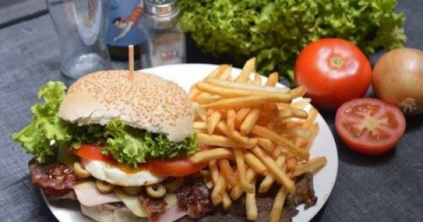 Οι επικίνδυνες ουσίες που περιέχονται στο fast food και τι σοβαρά προβλήματα υγείας προκαλούν