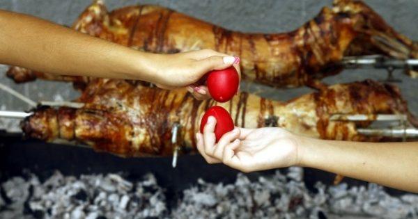 Πασχαλινό τραπέζι: ΟΛΑ όσα πρέπει να ξέρετε – Συμβουλές αγοράς, χοληστερίνη και θερμίδες