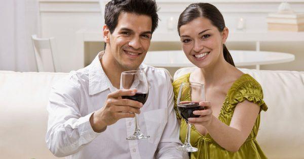 Λιγότερο αλκοόλ καταναλώνουν οι Έλληνες από τον μέσο Ευρωπαίο
