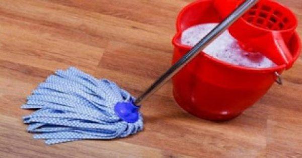 Το τρομερό κόλπο για να μην μυρίζει άσχημα το σπίτι μετά το σφουγγάρισμα