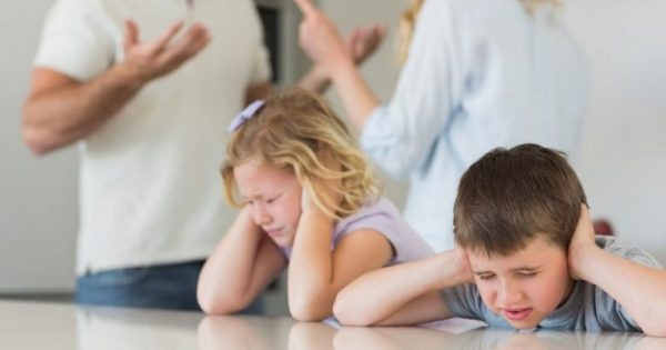 Πόσο συνεπείς είναι οι γονείς την ώρα του διαζυγίου απέναντι στα παιδιά τους;