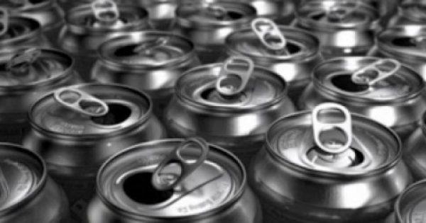 Σταματήστε να πίνετε αυτό το αναψυκτικό! Δείτε τι γίνεται μια ώρα μετά την κατανάλωση του