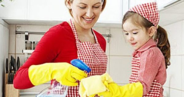 Πώς να καθαρίζεις το σπίτι σου χωρίς να βάζεις σε κίνδυνο τα μικρά σου!
