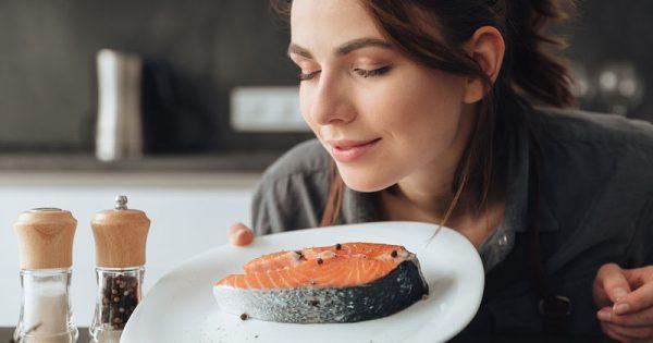 Εμμηνόπαυση: Με ποια διατροφή θα την καθυστερήσετε