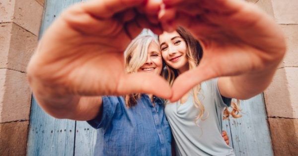 Γιορτή της Μητέρας: Η καθημερινότητα μιας μαμάς είναι πονοκέφαλος