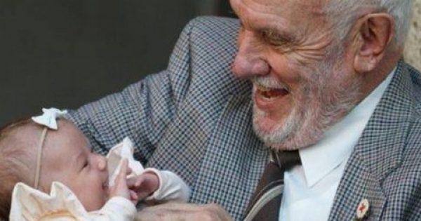 Ο δωρητής αίματος που έσωσε εκατομμύρια μωρά χάρισε ζωή για μια τελευταία φορά