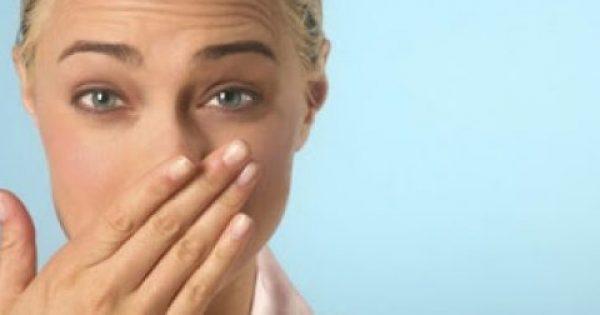 Τρεις τροφές που ευθύνονται για τη δυσάρεστη αναπνοή