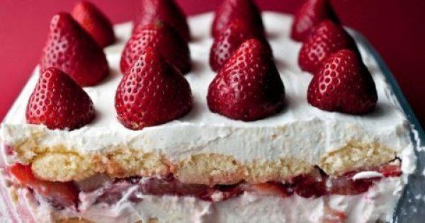Το πιο ανάλαφρο και δροσερό γλυκό ψυγείου με φράουλες!