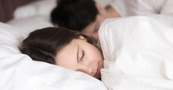 Ο ύπνος του Σαββατοκύριακου προστατεύει από τον πρόωρο θάνατο!