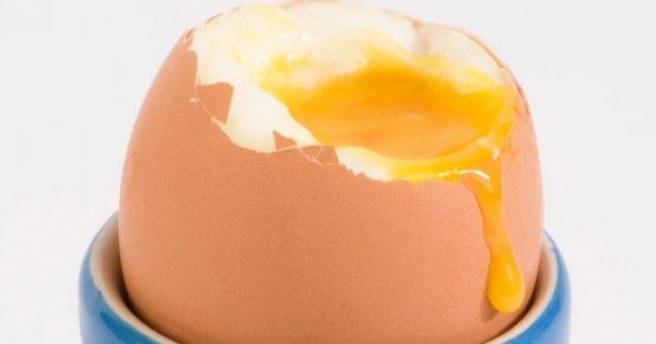 Προσοχή με τα μελάτα αυγά: Τι πρέπει να ξέρετε για λόγους υγείας