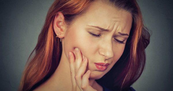 Απόστημα δοντιού: Πώς θα βρείτε ανακούφιση στο σπίτι