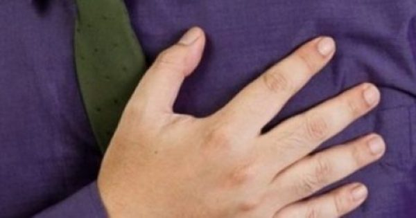 ΣΤΑΜΑΤΗΣΤΕ ΝΑ ΤΟ ΤΡΩΤΕ ΤΩΡΑ! Βρίσκεται σε όλα τα σπίτια και προκαλεί ακόμα και καρδιακές δυσλειτουργίες