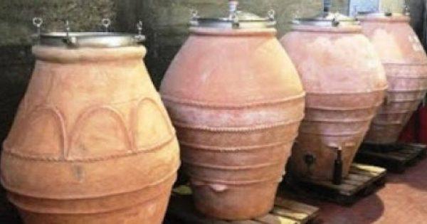 Κρασί σε αμφορείς: γιατί αυτή η αρχαία τεχνική κάνει come back