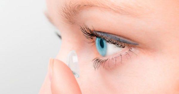 7 Λάθη που δεν Πρέπει να Κάνετε Ποτέ με τους Φακούς Επαφής (μα Ποτέ!)