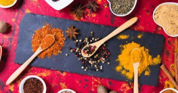 Κεφάλαιο «αδυνάτισμα»: 10 μπαχαρικά & βότανα για ευκολότερη απώλεια βάρους