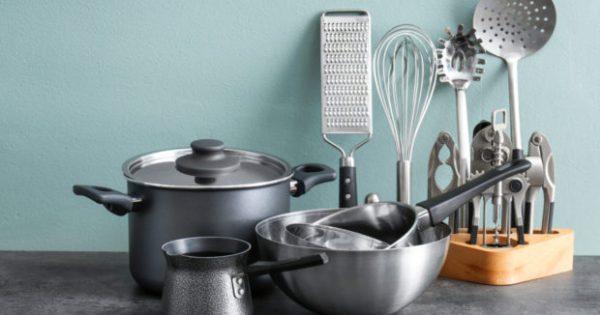 Υπάρχει Ένα Αντικείμενο στην Κουζίνα που Διώχνει τα Καμένα Λίπη σε 30 Δευτερόλεπτα