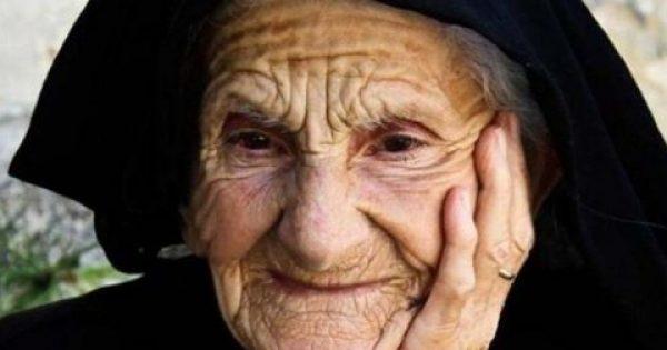 Ο ρόλος της γιαγιάς στη ζωή μας είναι αναντικατάστατος