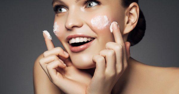 Δέρμα: Τα κυριότερα λάθη που κάνουμε στη φροντίδα του