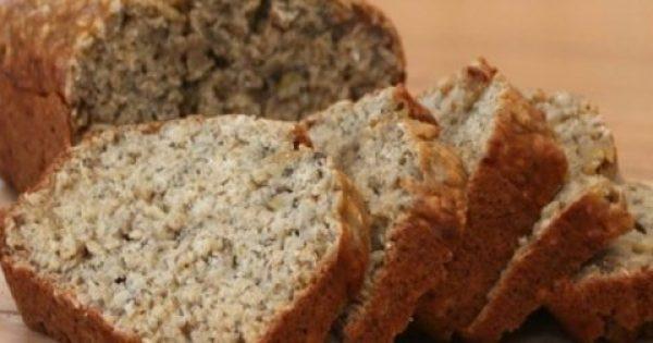 Δοκιμάσαμε: Το κέικ πρωτεΐνης με βρώμη και λιναρόσπορο χωρίς βούτυρο, ζάχαρη, αλεύρι