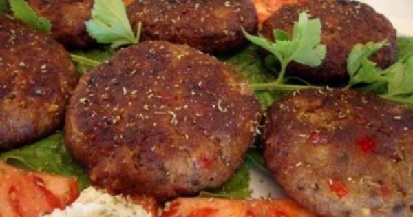 Αφράτα Μπιφτέκια με πιπεριά και φέτα