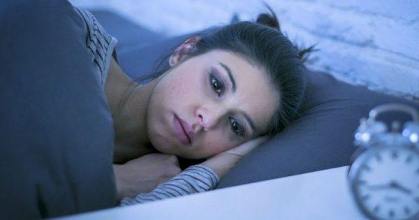 Ξυπνάτε αναπάντεχα μέσα στη νύχτα; Τι μπορεί να φταίει  και πρέπει να κάνετε!!!-ΦΩΤΟ