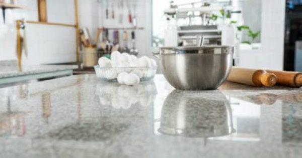 Η πιο Οικονομική Πρόταση για να Αλλάξετε τον Άσχημο Πάγκο της Κουζίνας σας