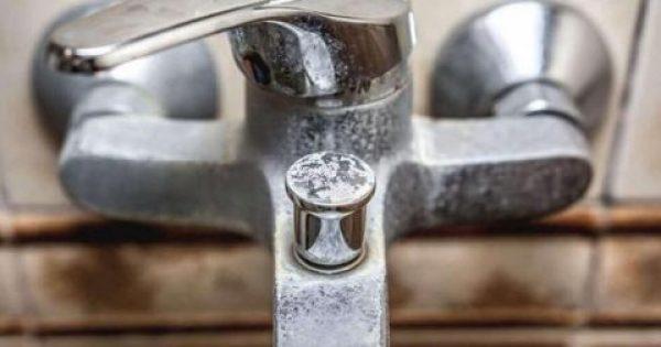 Απομακρύνετε τα άλατα από το μπάνιο με φυσικό τρόπο