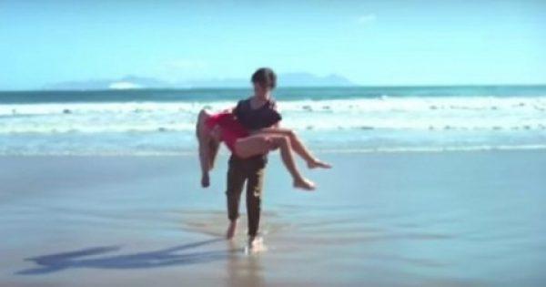 Νεαρός έβγαλε κοπέλα που πνιγόταν από τη θάλασσα, αλλά δευτερόλεπτα αργότερα…