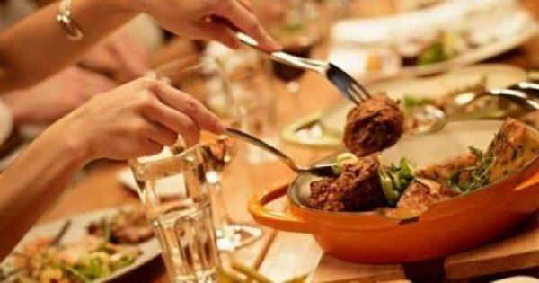 Δείτε πώς θα βγείτε έξω, θα φάτε ό,τι θέλετε και δεν θα πάρετε γραμμάριο!