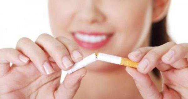 Οι τροφές που θα σας βοηθήσουν να κόψετε το κάπνισμα