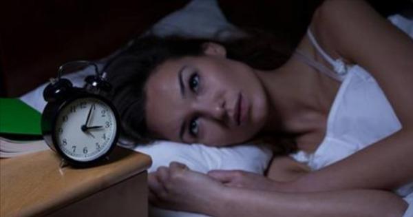 Γιατί ξυπνάτε την ίδια ώρα κάθε βράδυ