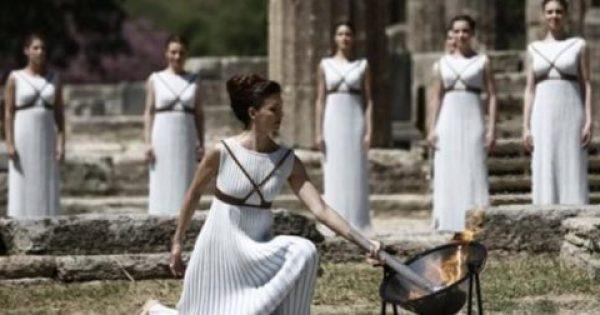 Πλήθος κόσμου στην τελική πρόβα της Αφής της Ολυμπιακής Φλόγας (εικόνες)