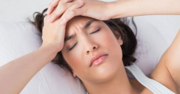 Πώς να απαλλαγείς από τον πονοκέφαλο σε 2 λεπτά! Video