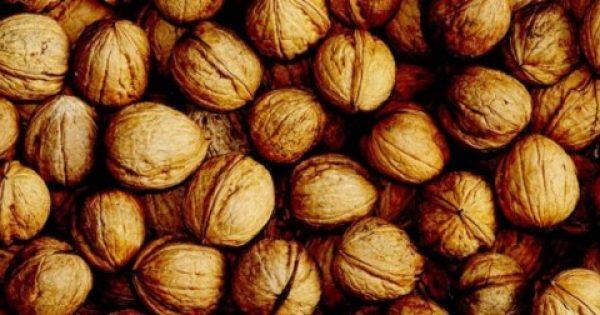 Εσείς ξέρετε τι θα σας συμβεί αν τρώτε μια χούφτα καρύδια την ημέρα; Αν ΟΧΙ δείτε το ΕΔΩ!
