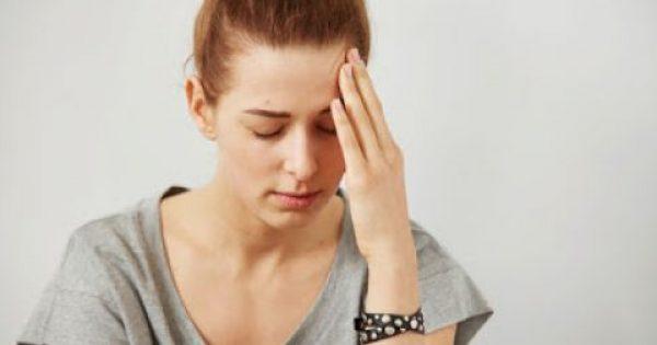 Συχνοί πονοκέφαλοι: Μήπως σας λείπει αυτή η βιταμίνη;