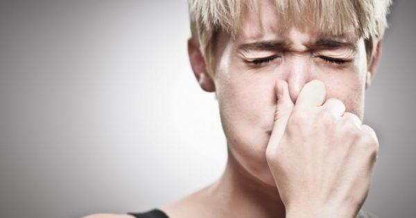 Λόξυγγας: Τι μπορεί να σημαίνει όταν είναι επίμονος