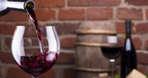 Κόκκινο κρασί: 8 λόγοι για να το προτιμήσετε