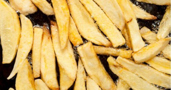 Τηγανητές πατάτες: Με ελαιόλαδο ή με φυτικό λάδι είναι καλύτερες;