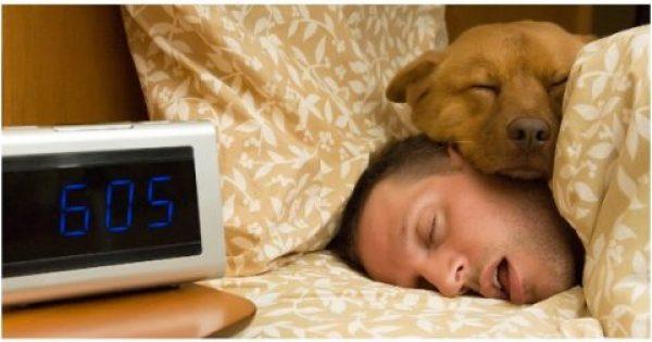 Έχετε Σάλια στο Μαξιλάρι σας όταν Ξυπνάτε; Δείτε Τι Σημαίνει για την Υγεία σας!