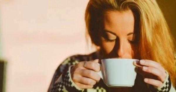 Έπινα ζεστό νερό με μέλι και λεμόνι κάθε πρωί, για ένα χρόνο. Τα αποτελέσματα είναι….